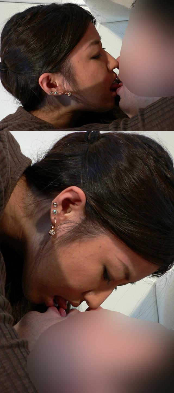 ムチムチボディコンギャル 顔面圧迫